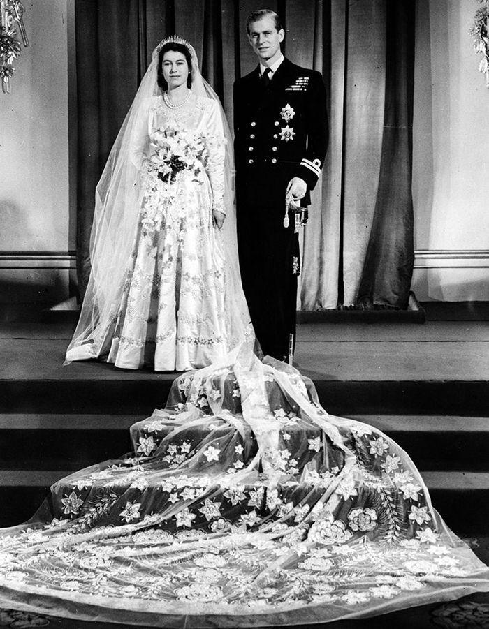 La photo officielle du mariage de la princesse Elizabeth en 1947
