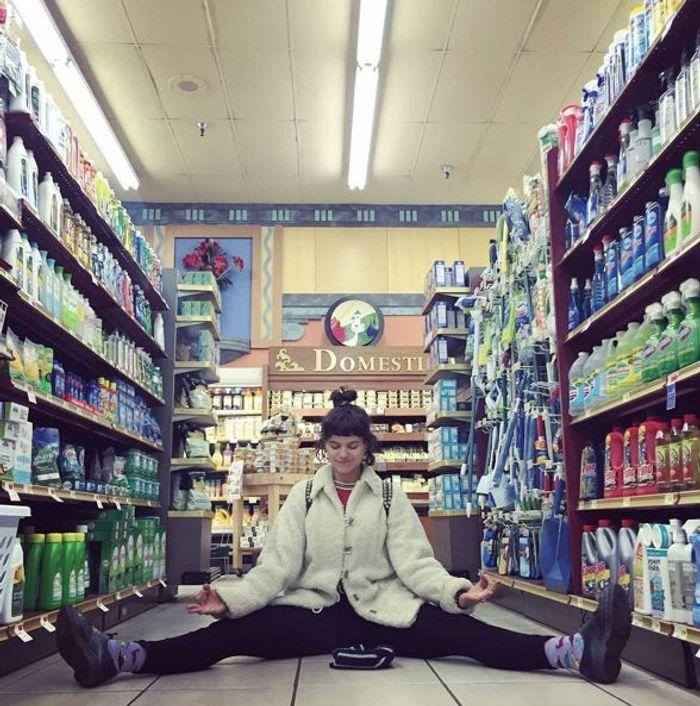 supermarch soko l autoportrait instagram de la d jant e petite amie de kristen stewart elle. Black Bedroom Furniture Sets. Home Design Ideas