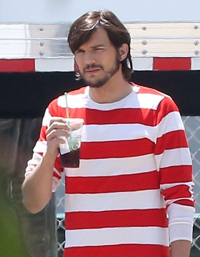 2012 ashton kutcher l homme qui change de coupe comme de chemise elle - Changer de coupe ...