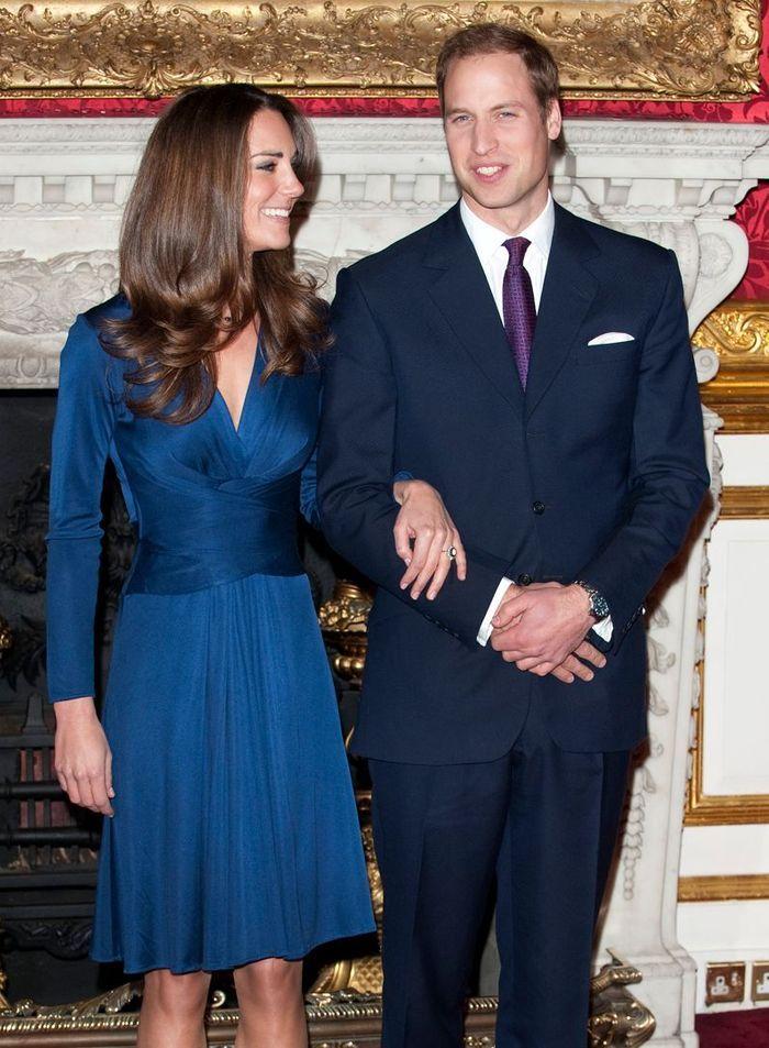 sa robe de fian ailles les robes de kate middleton dans le dressing d une princesse elle. Black Bedroom Furniture Sets. Home Design Ideas