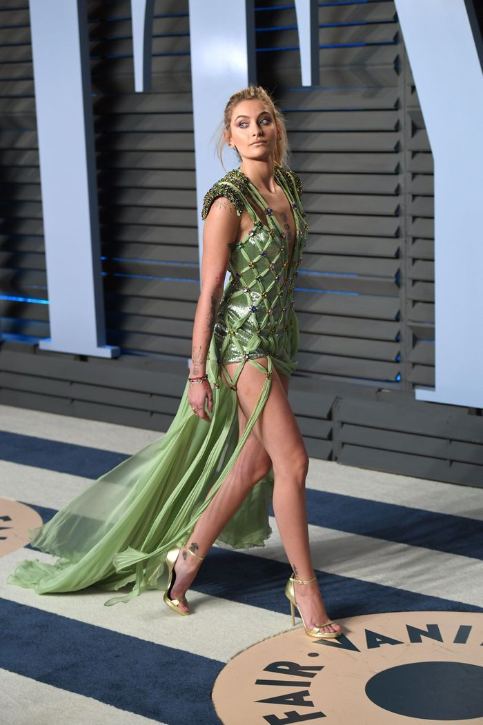 Paris Jackson en Versace