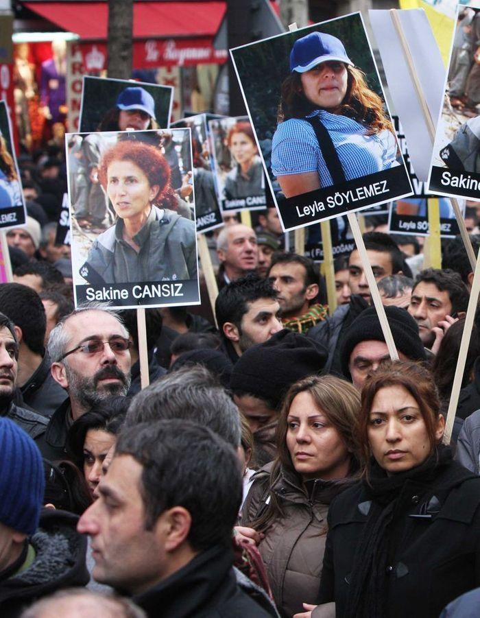 Dernier hommage pour Sakine Cansiz, Fidan Dogan et Leyla Soylemez