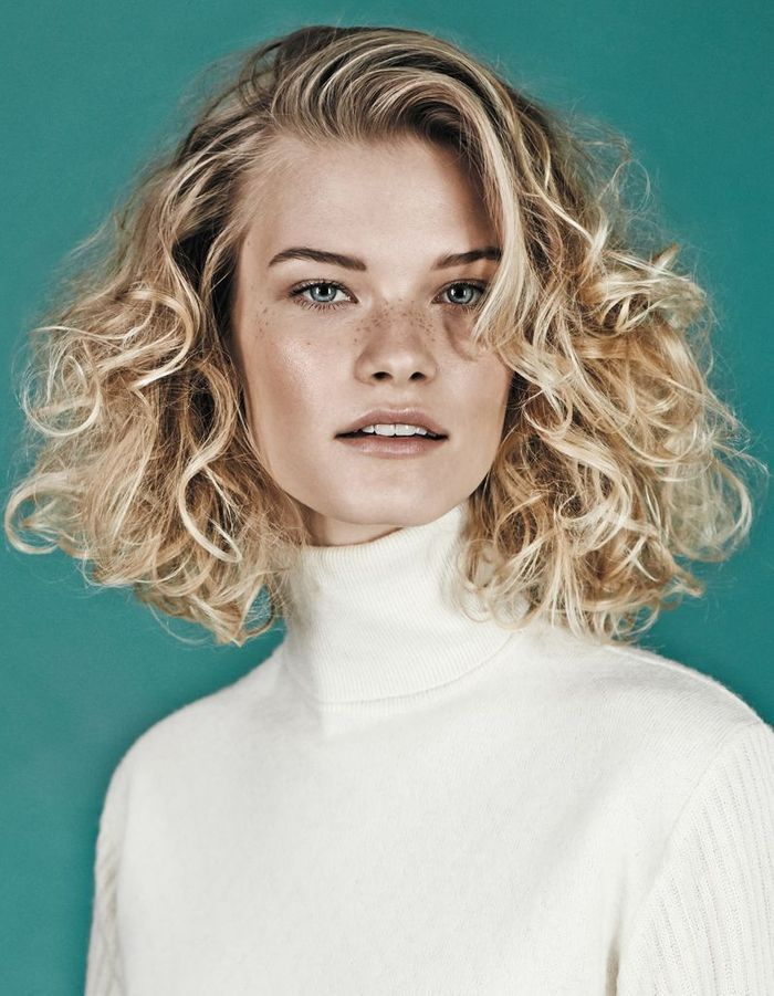Coiffure Carre Boucle Blond