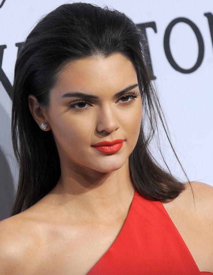Les Cheveux Effet Mouillu00e9 De Kendall Jenner - Effet Wet  La Tendance Coiffure Qui Fait Briller ...