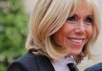 Avec cette blouse, Brigitte Macron prouve qu'elle est super stylée !
