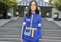 Pourquoi elle est bien : le total look bleu de Jennifer Connelly au défilé croisière Louis Vuitton