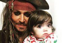 Johnny Depp retrouve Jack Sparrow pour surprendre des enfants malades