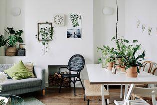 Un coin salle à manger dans un petit salon, c'est possible !